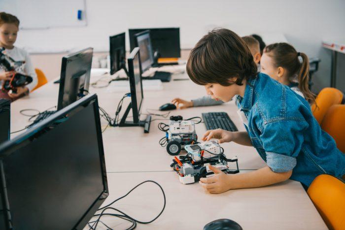 clases-extraescolares-robotica-educativa-presencial-online-game-land-academy-2020-2021