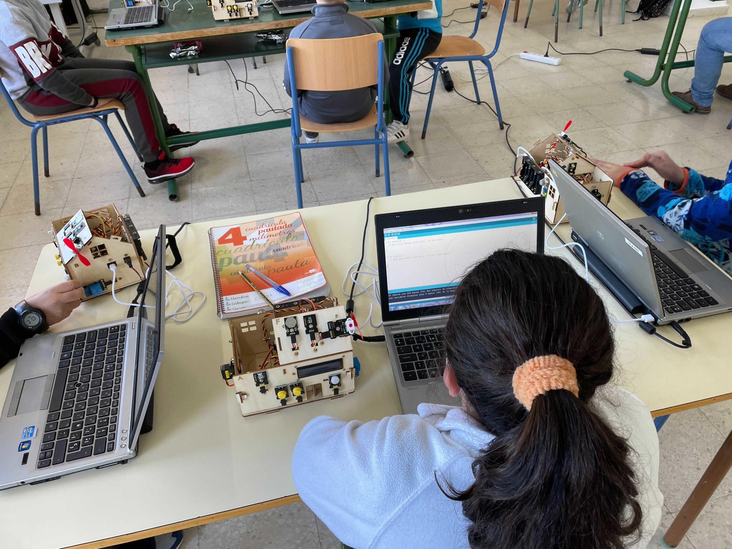 llevamos-nuestros-talleres-a-los-colegios
