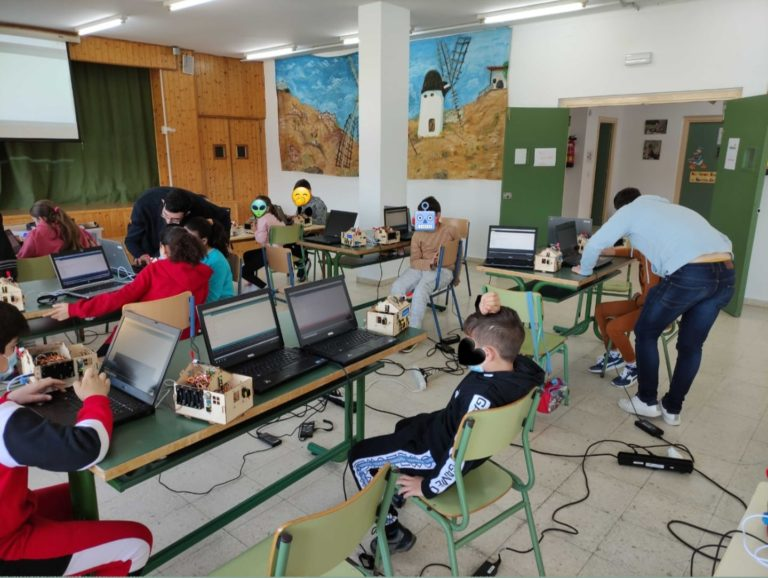 llevamos nuestros talleres a los colegios